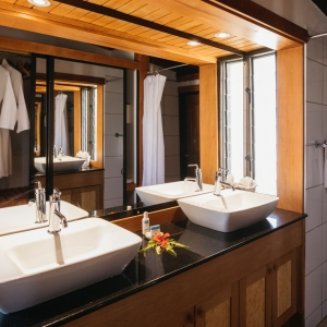Marina-Villa-Bathroom